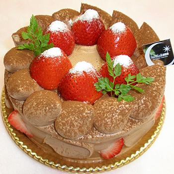 苺の生チョコデコレーション
